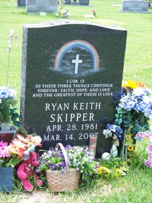 Ryan Skipper's gravestone
